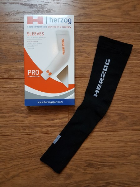 herzog-armsleeves-black-plus-package